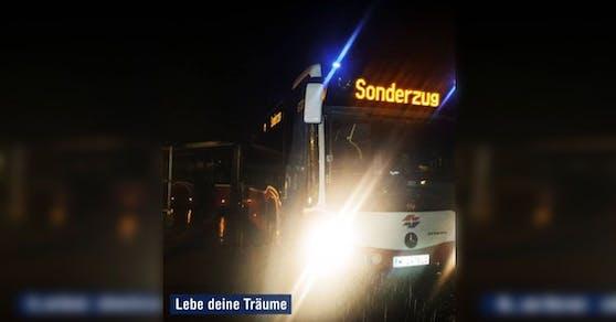 Der Bus  träumt davon ein Sonderzug zu werden.