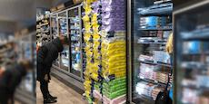Hamstereinkäufe: Klopapier bis zur Decke gestapelt