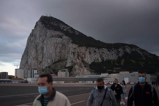 Der Felsen von Gibraltar ist einer der berühmtesten Felsen der Welt.