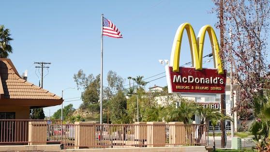 In einer McDonalds-Filiale in den USA beschwerten sich Mitarbeiter über den fahrlässigen Umgang mit Sicherheitsvorkehrungen.