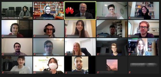 Huawei nimmt Studierende auf eine virtuelle China-Reise mit.