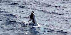 Seemann klammerte sich zwei Tage an gesunkenes Boot