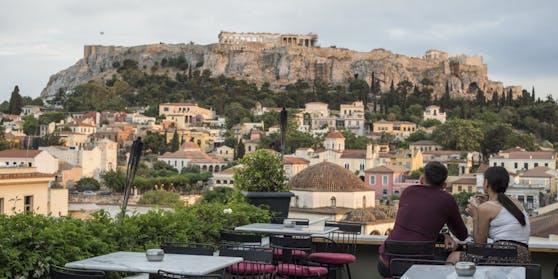 Im Kampf gegen die Ausbreitung von Corona hat die griechische Regierung einen Lockdown für das ganze Land verordnet (im Bild: Akropolis).
