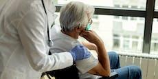 81-Jähriger musiziert vor Spitalfenster seiner Frau