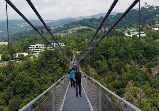 Die Linzer Hängebrücke soll die längste der Welt werden. Es gibt aber noch viele Hindernisse.