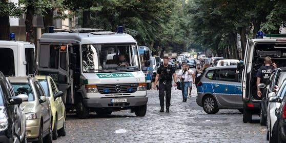 Polizeigroßeinsatz in Berlin: Ein Vater soll seine dreijährige Tochter ermordet haben. (Symbolbild)