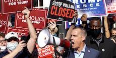 Trump-Anhänger protestieren bewaffnet vor Wahllokalen