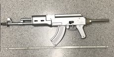 21-Jähriger bedroht Lenker mit nachgebauter AK-47