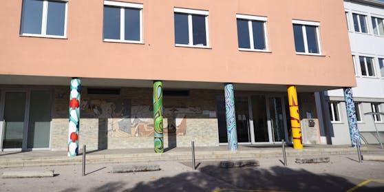 An dieser Neuen Mittelschule in Wels unterrichtete die beschuldigte Lehrerin
