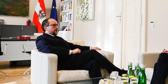 Außenminister Alexander Schallenberg bei einem anderen Gespräch am Donnerstag