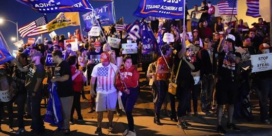 Anhänger von Donald Trump auf den Straßen