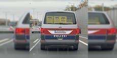 Polizeibus mit Bierkisten auf Wiener Autobahn unterwegs