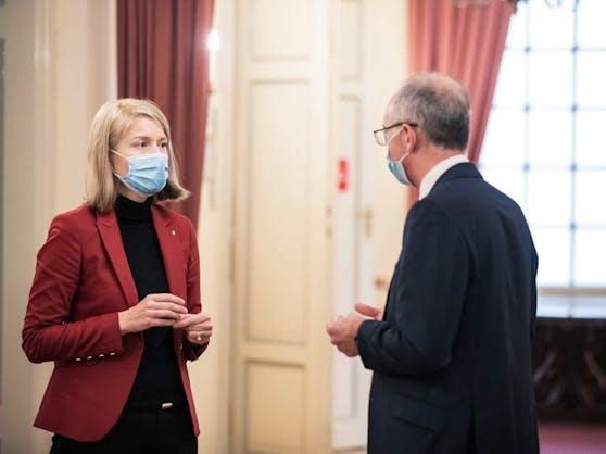 Lh-Vize Christine Haberlander und Lungenprimar Bernd Lamprecht.