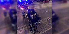 BMW-SUV brettert durch Garagentor und bleibt stecken
