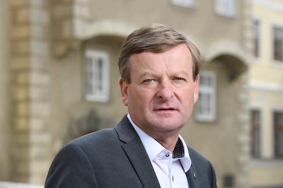 Gottfried Waldhäusl fordert härtere Maßnahmen.