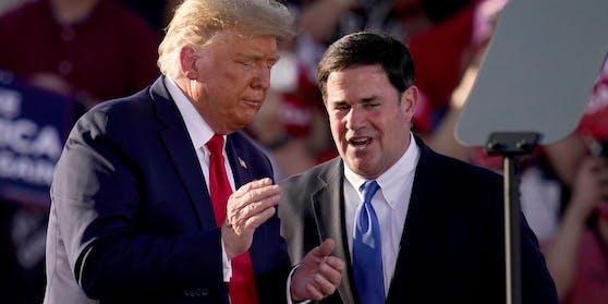 """""""Warum überstürzt er es, einen Demokraten ins Amt zu bringen?"""" US-Präsident Donald Trump über Gouverneur Doug Ducey."""