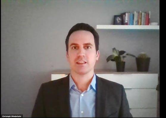 Bildungsstadtrat Christoph Wiederkehr meldete sich von zu Hause aus.