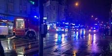 Großeinsatz: Feuerwehr bekämpft Dachbrand in Währing