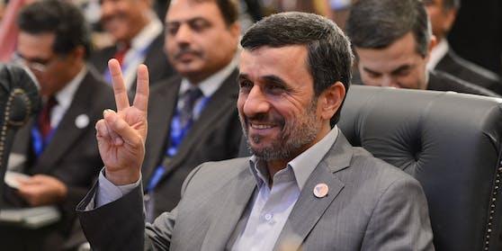 …und der Wiederwahl von Mahmud Ahmadinedschad scharf verurteilt.