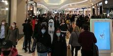 Vorweihnachts-Exzess! Wiener stürmen Einkaufszentrum