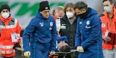 Schalke-Star verliert das Bewusstsein, Mitspieler beten