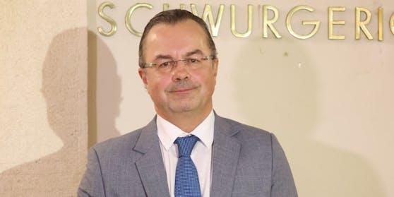 Anwalt Andreas Reichenbach vertritt den serbischen TV-Star in Wien.