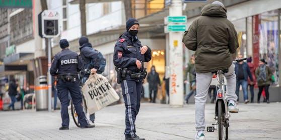 Polizei-Kontrolle auf der Mariahilfer Straße (Archivfoto)