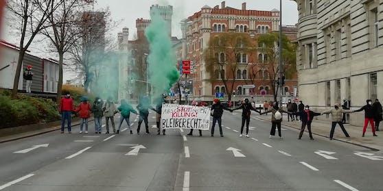Protestaktion in der Rossauer Lände in Wien.