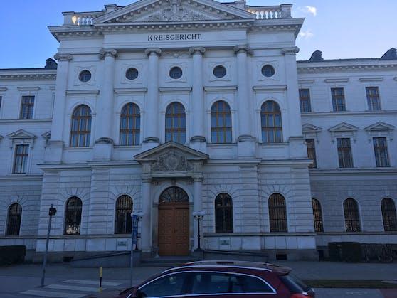 Der Prozess fand am Gericht in Wr. Neustadt statt.