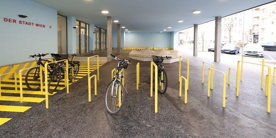 Praktische Radbügeln für Kinder-Bikes