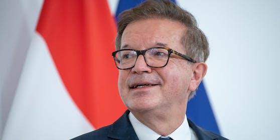 Gesundheitsminister Rudolf Anschober (Grüne) im Rahmen einer Pressekonferenz am 14. Dezember 2020