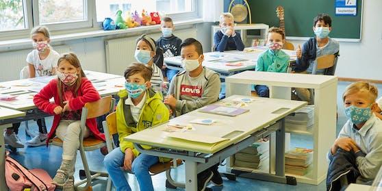Maskenpflicht in der Schule bleibt bis Semesterende