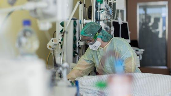 Eine Reihe von EU-Ländern schottet sich gegen eine neue, ansteckendere Coronavirus-Variante in Großbritannien ab.