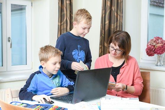Rund 200 Millionen Euro werden in die geplanten Laptop- und Tablet-Klassen investiert.