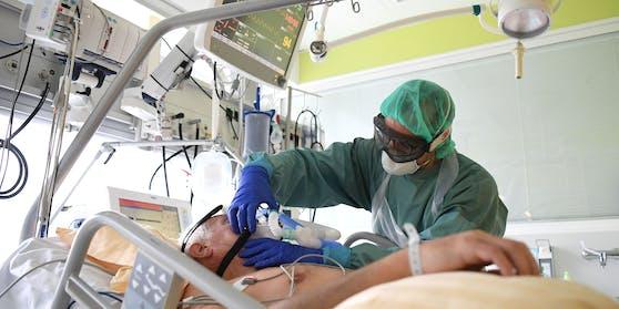 Corona-Patient auf der Intensivstation (Archivfoto)