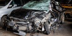 Autolenker (30) stirbt nach Crash mit Jungfamilie