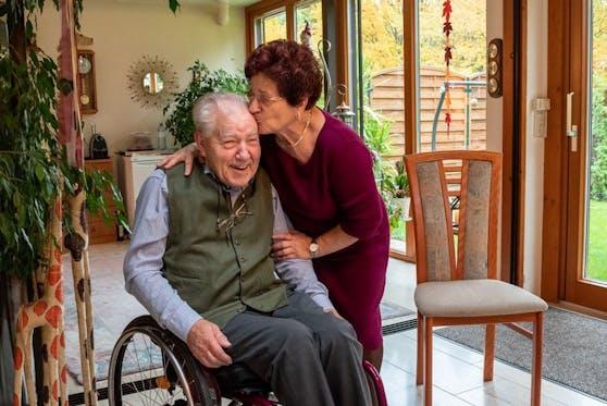 Preisträger Gerhard Hudecek (83) mit Ehefrau Helga.