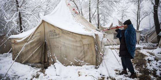 Eines der besseren Zelte im Camp von Vučjak, Bosnien