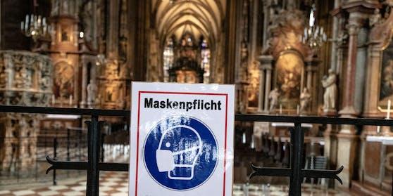 Im Stephansdom in Wien besteht Maskenpflicht.
