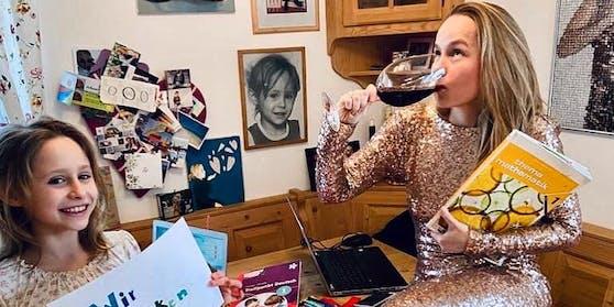 Stephanie Wanasek-Stauffer im ersten Lockdown mit Wein und Tochter.