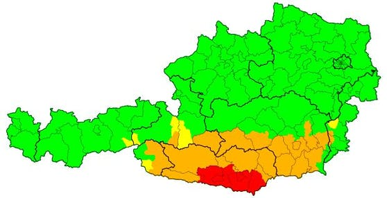 Warnstufe Rot wegen massiver Neuschneemengen im Süden (2.12.2020)