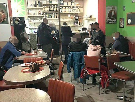 In einem Lokal in Wien-Leopoldstadt feierten neun Personen eine Corona-Party. Auch Drogen wurden sichergestellt!