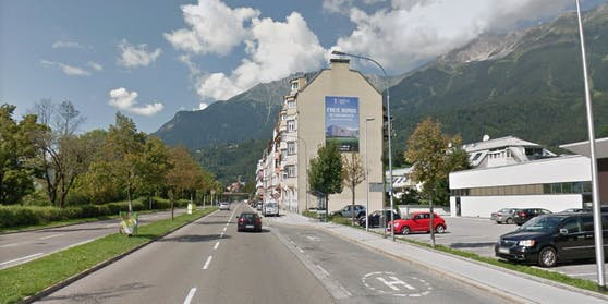 Eine Bus-Station in der Haller Straße in Innsbruck