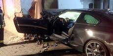Betrunkener 18-Jähriger kracht in Haus – 4 Verletzte