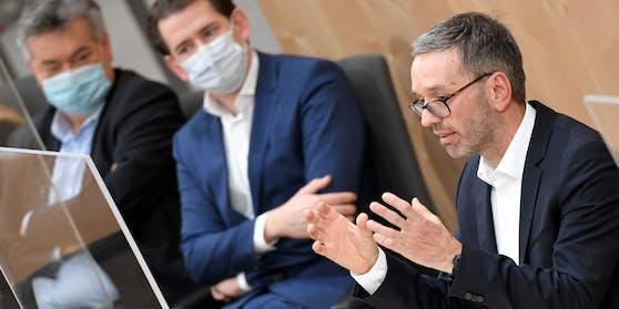 FPÖ-Klubobmann Herbert Kickl (rechts) ging lautstark gegen die türkis-grüne Bundesregierung vor