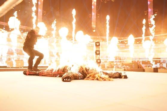 Unglaubliche Szenen bei WWE TLC