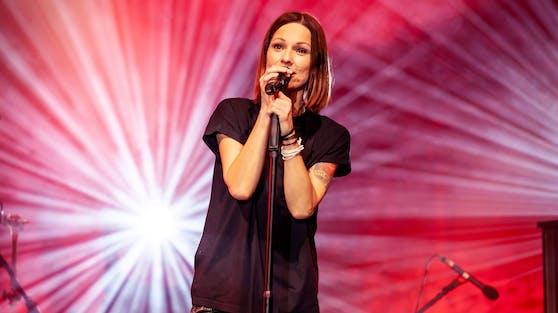 Christina Stürmer zählt zu Österreichs erfolgreichsten Künstlerinnen und steht seit über 18 Jahren auf der Bühne.
