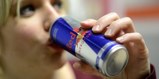 """""""Red Bull"""" ist der meistverkaufte Energy Drink der Welt. Symbolfoto"""