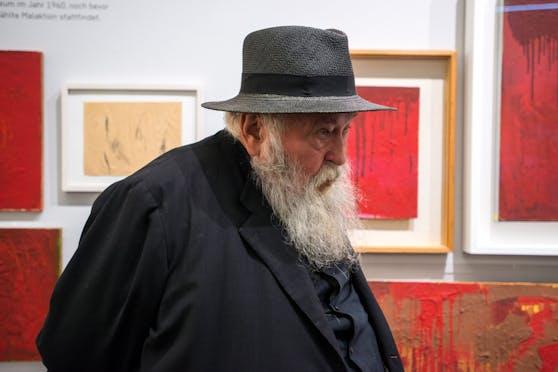 Land kaufte Werke von Hermann Nitsch.