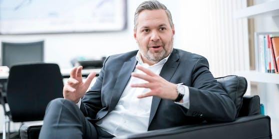 Axel Melchior, ÖVP General